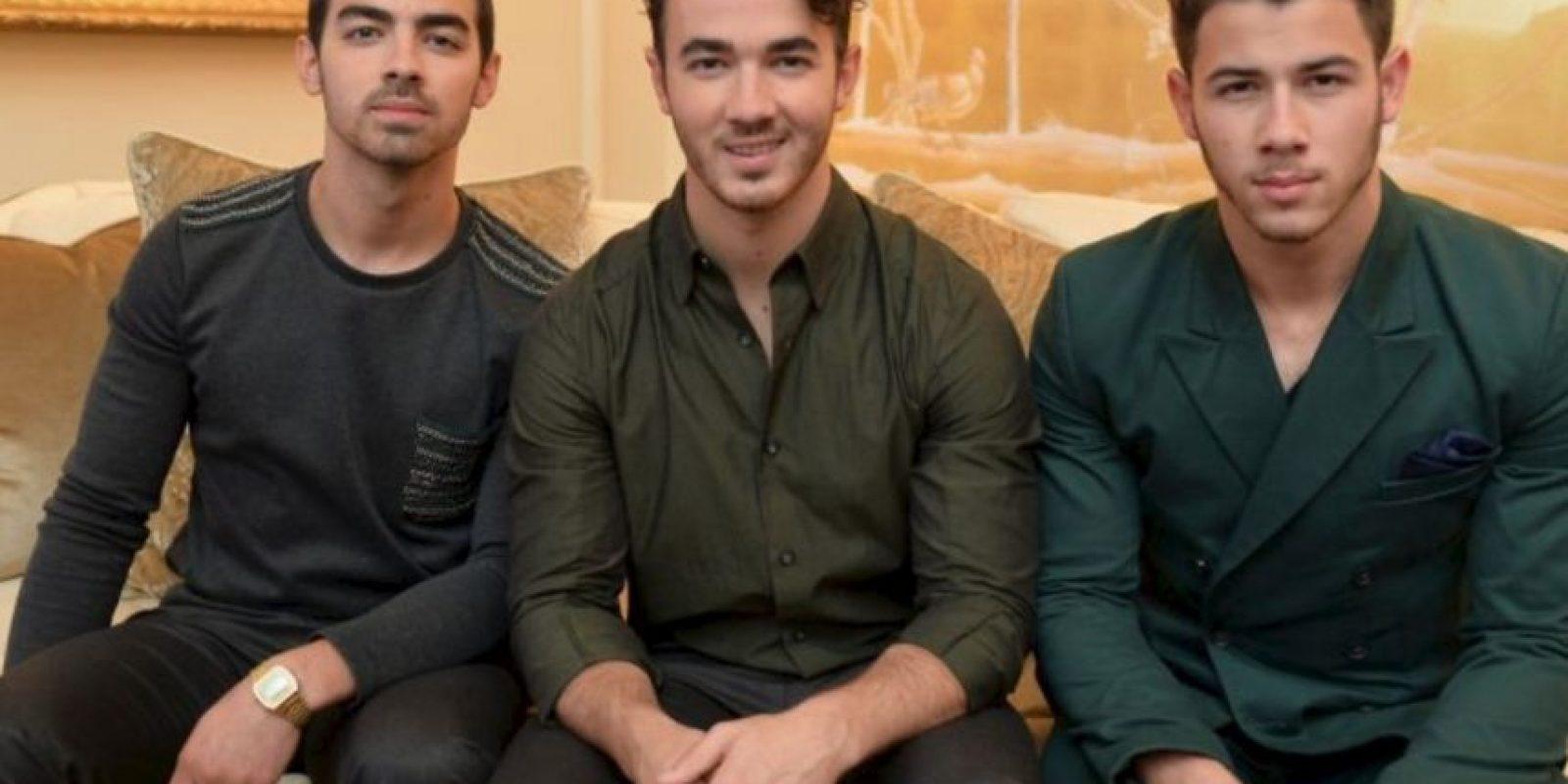 Los Jonas Brothers confesaron ser muy religiosos, de hecho portaron un anillo de castidad con la intención de llegar vírgenes al matrimonio Foto:Getty Images
