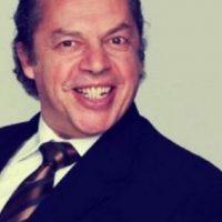 Ausencio Cruz hizo el papel de Paco Stanley, quien fue un humorista, actor y conductor mexicano Foto:Telemundo