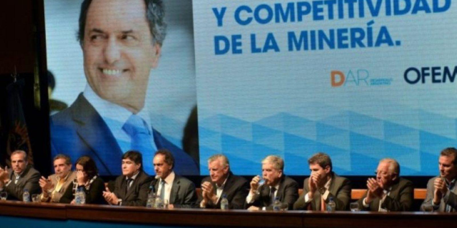 Fue vicepresidente de la Nación Argentina de 2003 a 2007, en el mandato de Néstor Kirchner Foto:Facebook.com/danielsciolioficial