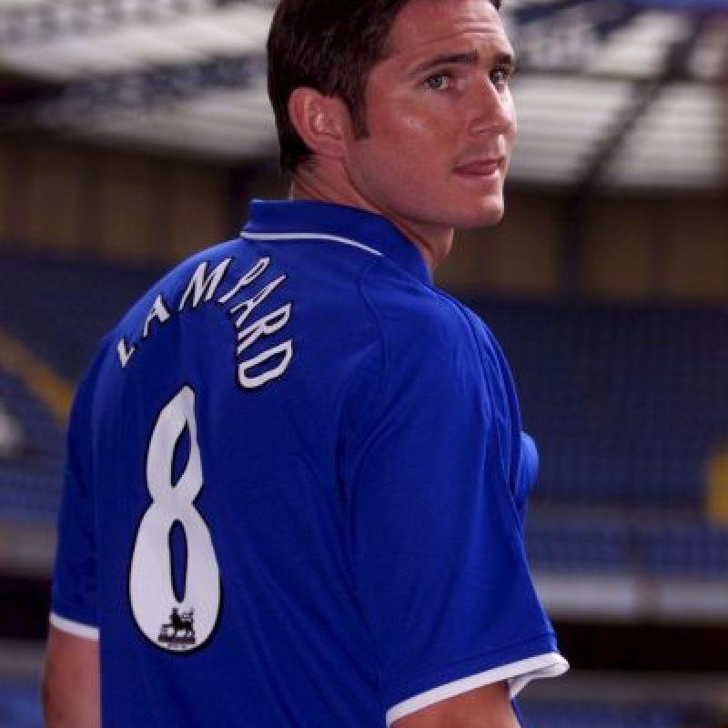 """El brasileño usa actualmente el 8 de Frank Lampard, ídolo de los """"Blues"""", aunque cuando llegó al club usó otro número de peso, el 11 de Drogba en 2013. Foto:Getty Images"""