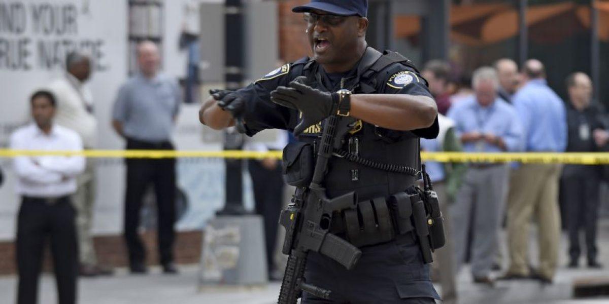 Se reporta hombre armado a las afueras de un cine en Estados Unidos