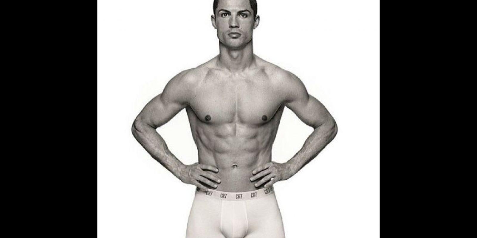 El propio futbolista ha sido la imagen de su marca. Foto:cr7underwear.com