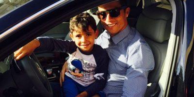 El pequeño Cristiano disfruta del tiempo con su papá. Foto:instagram.com/cristiano