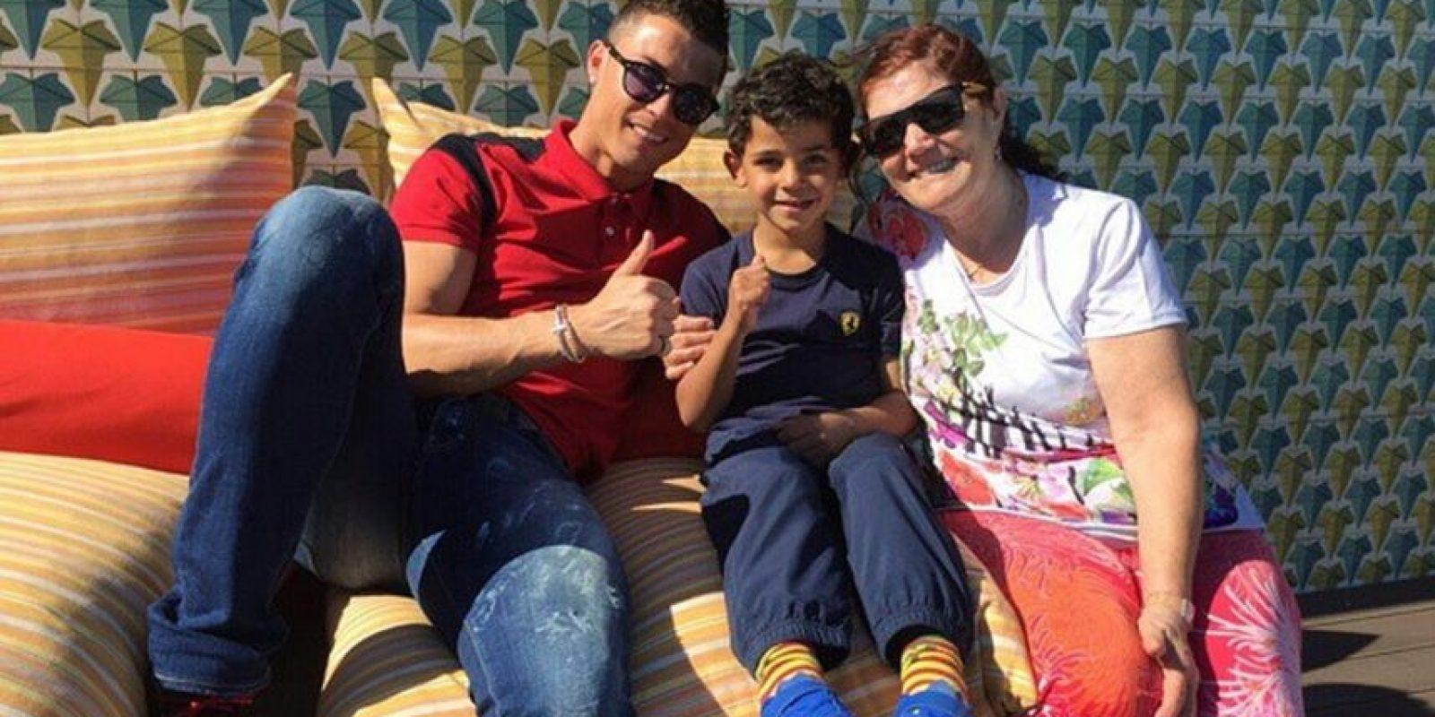 Las visitas familiares nunca faltan. Foto:instagram.com/cristiano