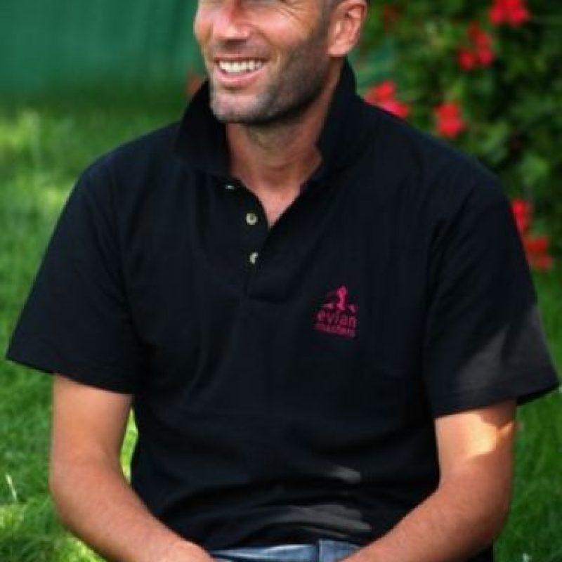 Tras dejar el fútbol, Zidane siguió ligado al Real Madrid y también se dedicó a otras actividades. Foto:Getty Images