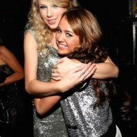 La ex estrella Disney considera que Taylor no es un buen ejemplo. Foto:Getty Images