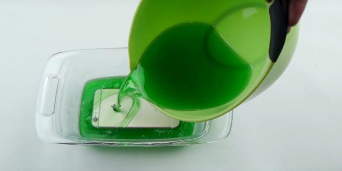 VIDEO: Esto pasa cuando cubren un iPhone 6 con gelatina