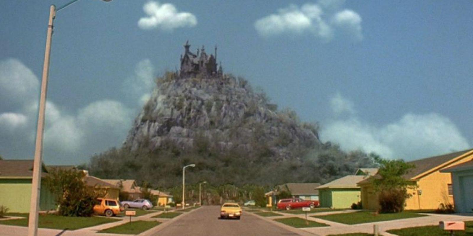 """El final de la calle donde estaba el castillo en el que fue creado """"Edward"""" Foto:Reddit/Voodrew"""