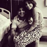 Maradona atraviesa por una etapa difícil de su vida pues su padre murió el pasado 25 de junio. Pero ni en el velorio de Don Diego, su familia se salvó de un escándalo. Foto:Vía instagram.com/gianmaradona