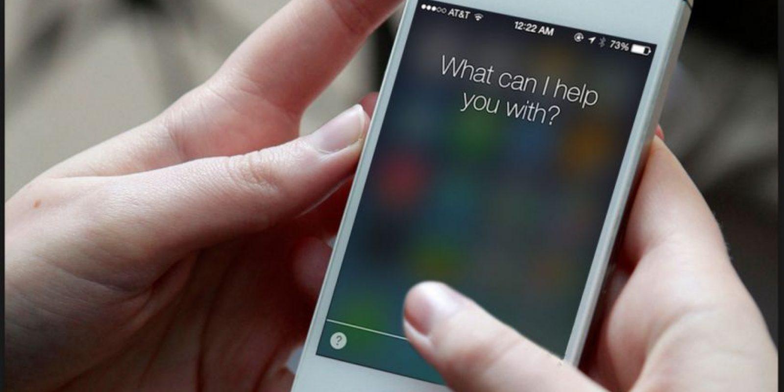 """Pregunta: """"Dime cosas guarras"""". Respuesta de Siri: """"No puedo. Soy tan limpia como la nieve virgen"""" Foto:Apple"""