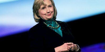 La polémica por los correos electrónicos de Clinton, cuando se desempeñaba como secretaria de Estado, no han cesado. Menos esta semana, cuando el Departamento de Estado liberó aproximadamente 300 correos. Foto:Getty Images