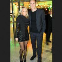 Es pareja del portero del Barcelona Marc-André ter Stegen. Foto:Twitter