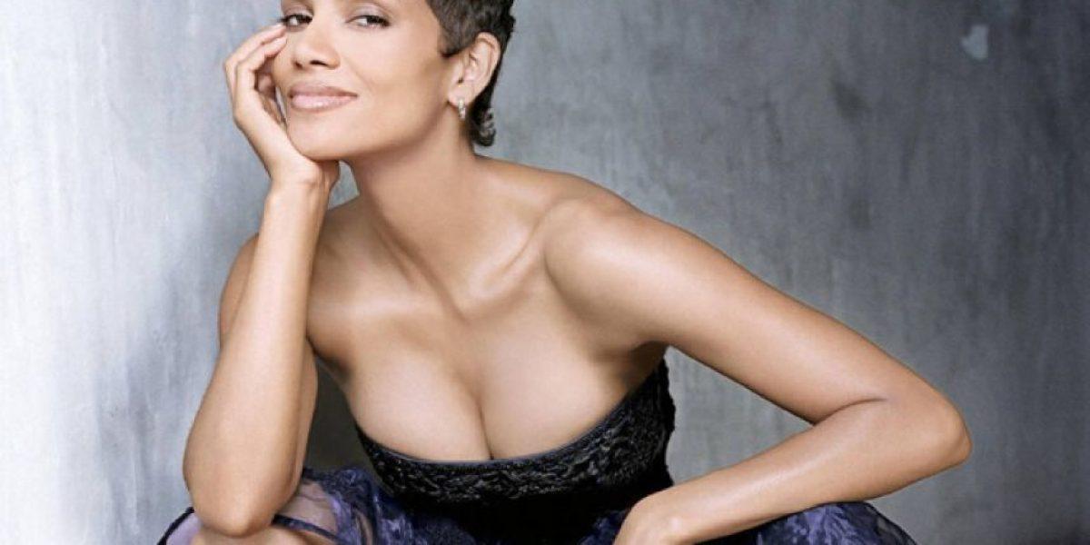 FOTOS: Con un look transparente Halle Berry demuestra que luce sexy a sus 49 años