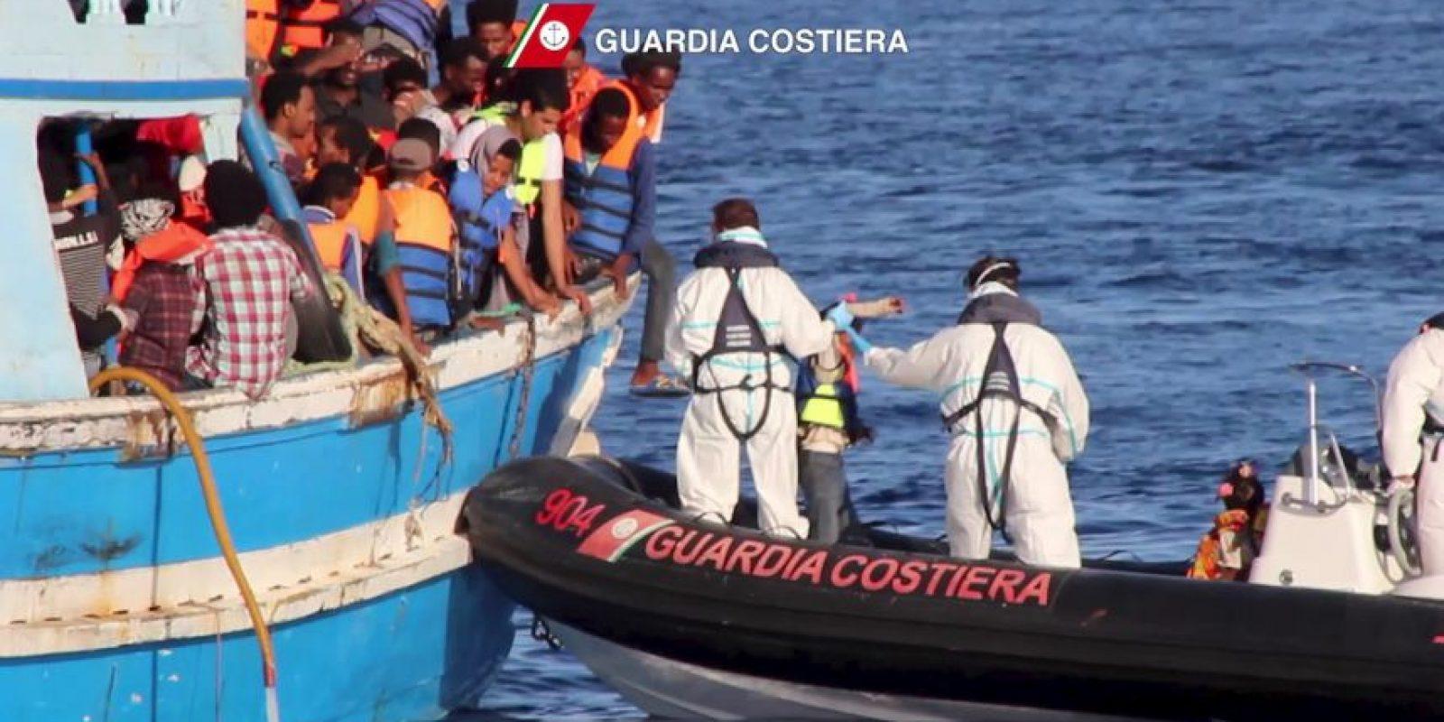 """Más de mil personas han perdido la vida en los últimos quince años por ese estrecho que divide a Cuba y a Estados Unidos. """"BBC"""" reseñó que la Guardia costera estadounidense estimó en dos mil 059 la cantidad de cubanos en embarcaciones el pasado año. Foto:AFP"""
