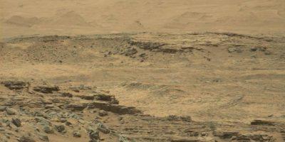 Y estas son las difundidas por la NASA Foto:Imagen original en http://mars.jpl.nasa.gov/msl-raw-images/msss/01074/mcam/1074MR0047260010600092E01_DXXX.jpg