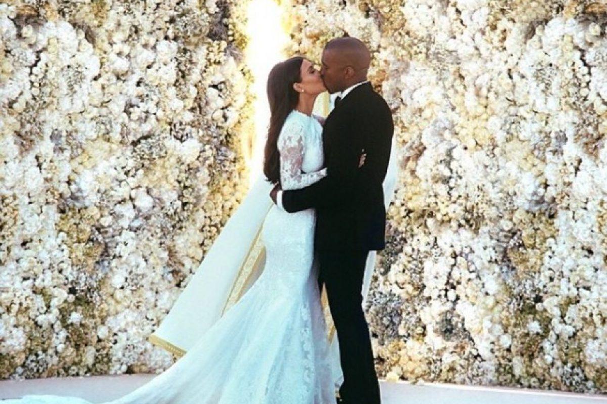 """2.4 millones de """"likes"""" Foto:vía instagram.com/kimkardashian"""