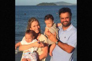 La exmodelo de 34 años es esposa de Aécio Neves (55), candidato a la presidencia de Brasil durante las elecciones celebradas en 2014. Foto:Instagram.com/aecionevesoficial