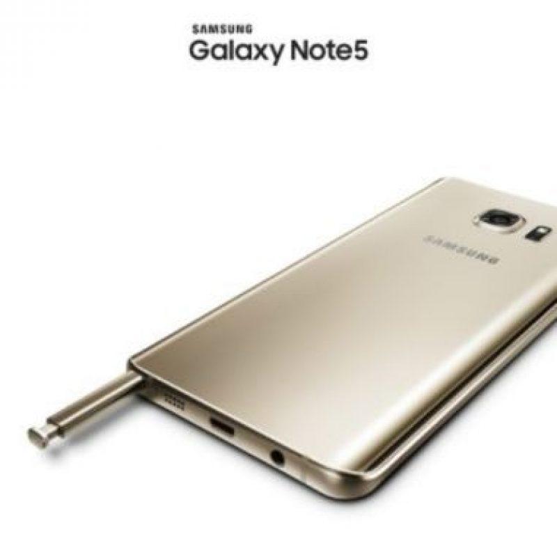 La cámara posterior cuenta con las características Smart OIS/VDIS y Auto real-time HDR. Foto:Samsung
