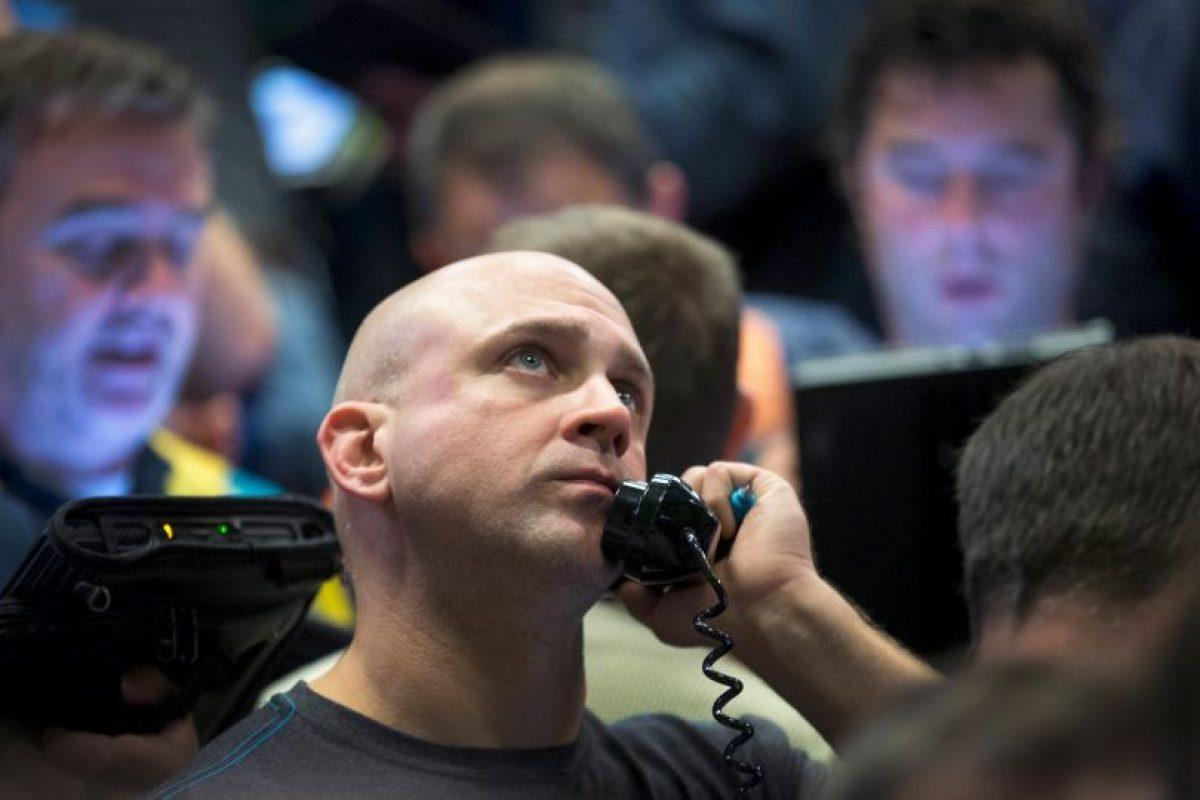 """El pasado 24 de agosto, las bolsas de valores asiáticas tuvieron pérdidas importantes, lo que derivó en la caída de los mercados alrededor del mundo, hecho conocido como """"Lunes Negro"""". Foto:Getty Images"""