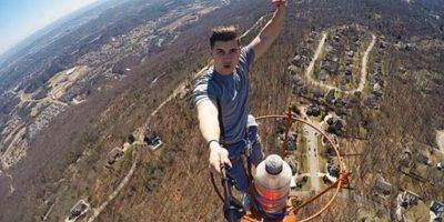 Además, no fue la única foto riesgosa que se tomó, aquí pueden ver otros dos ejemplos Foto:instagram.com/davidkarny