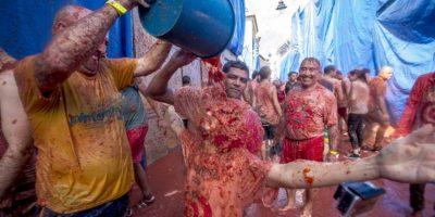 Se cree que esta fiesta fue originada por dos jóvenes que al discutir se lanzaron tomates. Foto:AFP