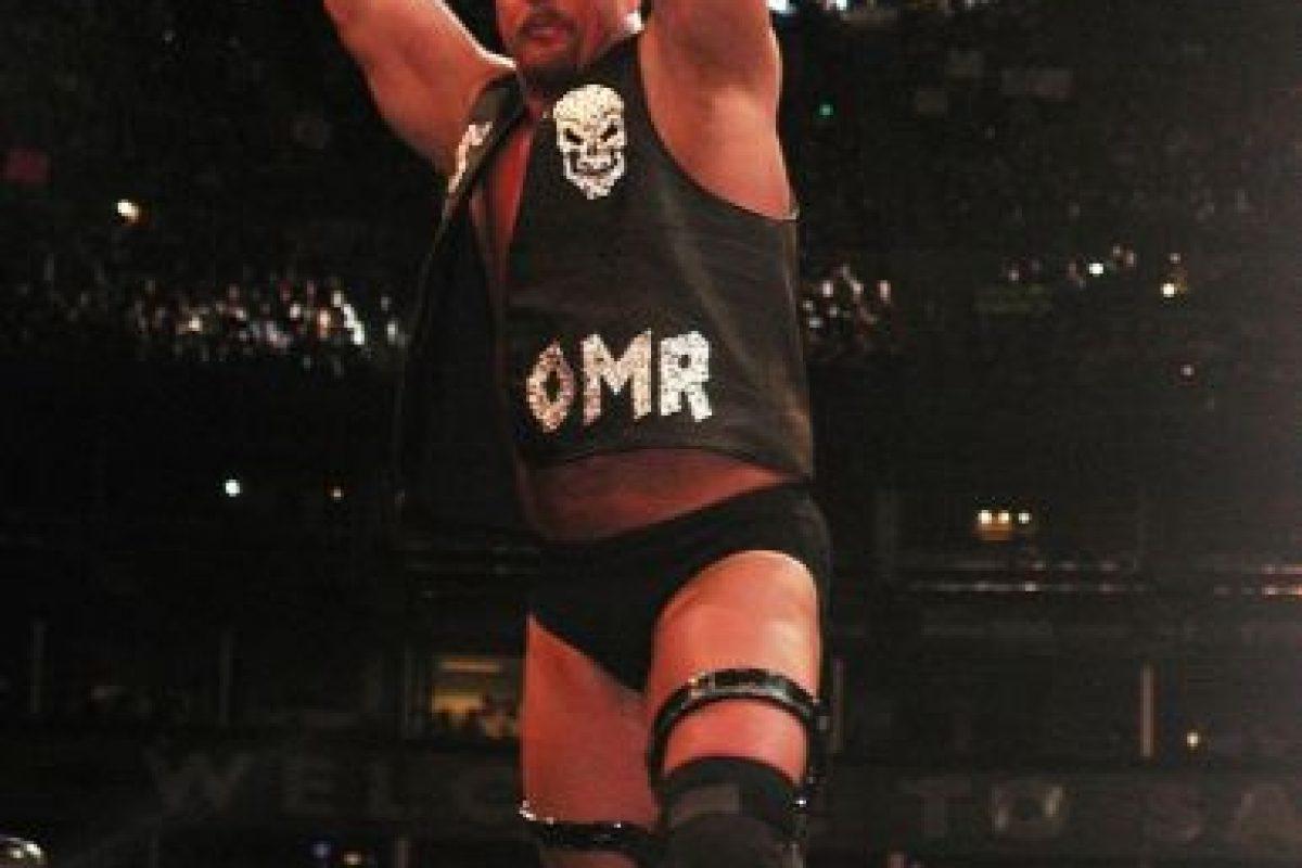 Stone Cold. El antihéroe que peleaba contra el presidente Vince McMahon, se convirtió en el líder de la empresa Foto:WWE