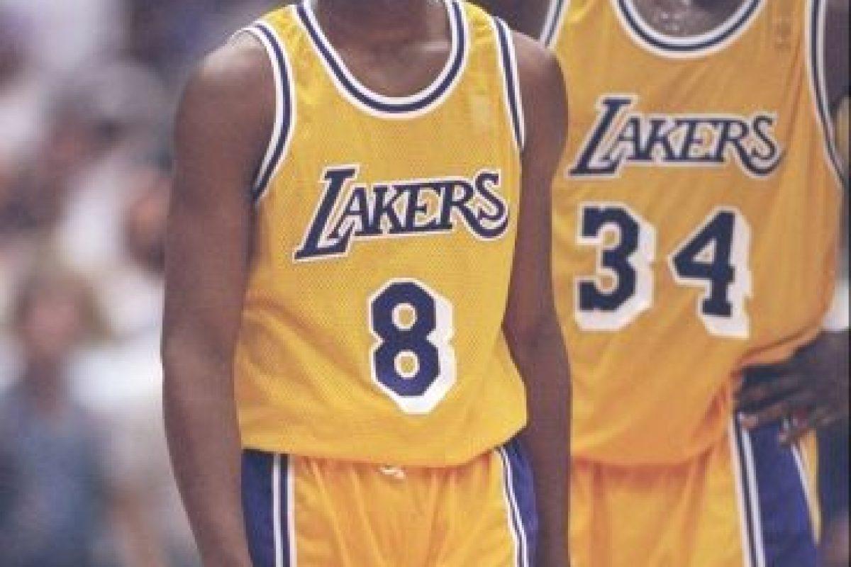 En total, Kobe ganó 5 anillos de la NBA. Todos con los Lakers (2000, 2001, 2002, 2009 y 2010). Foto:Getty Images