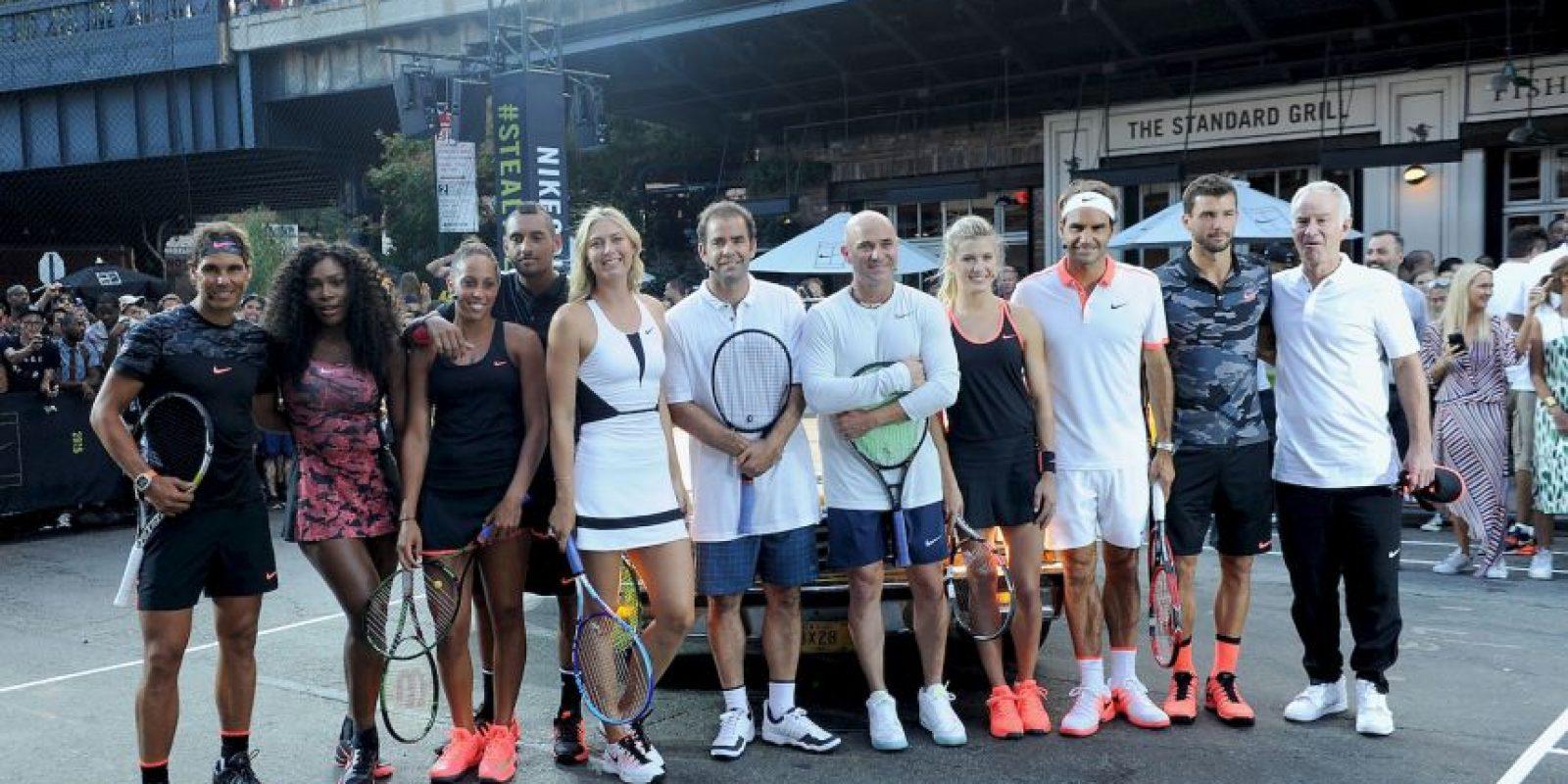 """Ahora, las figuras del momento: Roger Federer, Serena Williams, Rafael Nadal y Maria Sharapova, entre otros, grabaron un """"remake"""" de aquél anuncio. Foto:Getty Images"""