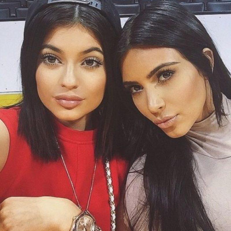 Kylie Jenner y Kim Kardashian Foto:Vía Instagram/@kimkardashian