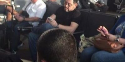 Exministro de Gobernación es visto en aeropuerto tomando un vuelo a Panamá