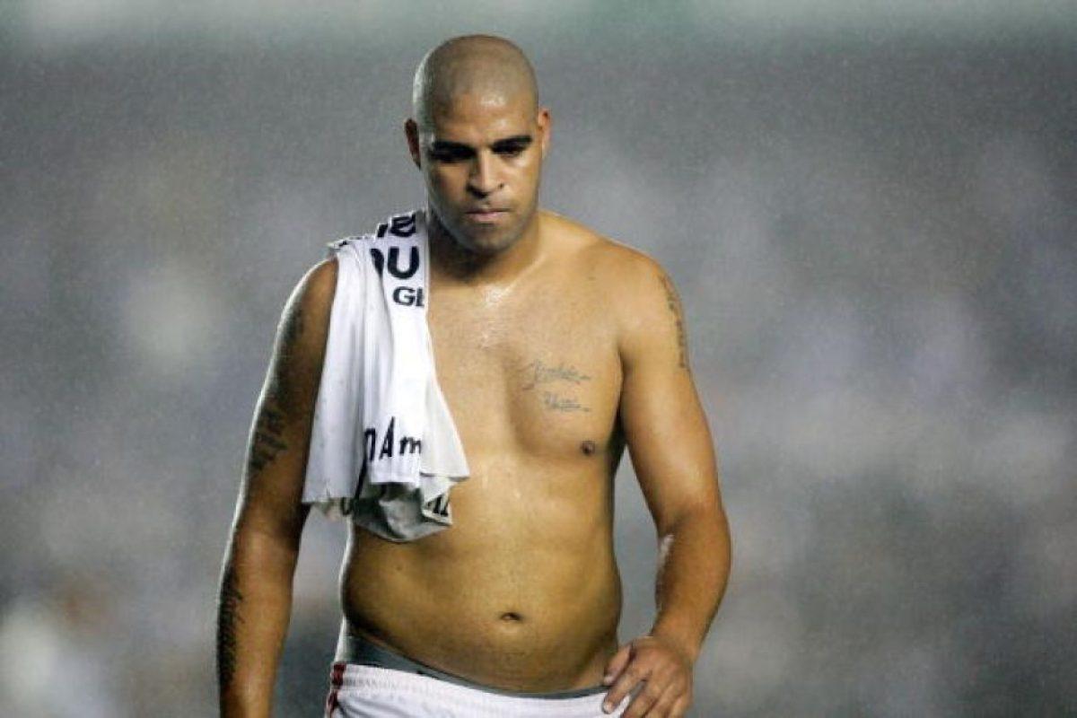 Comenzó como una gran promesa de Brasil, pero se fue apagando. Aún con su figura, ganó dos Copas América con su selección (2004 y 2007) y destacó con el Inter de Milán. Foto:Getty Images