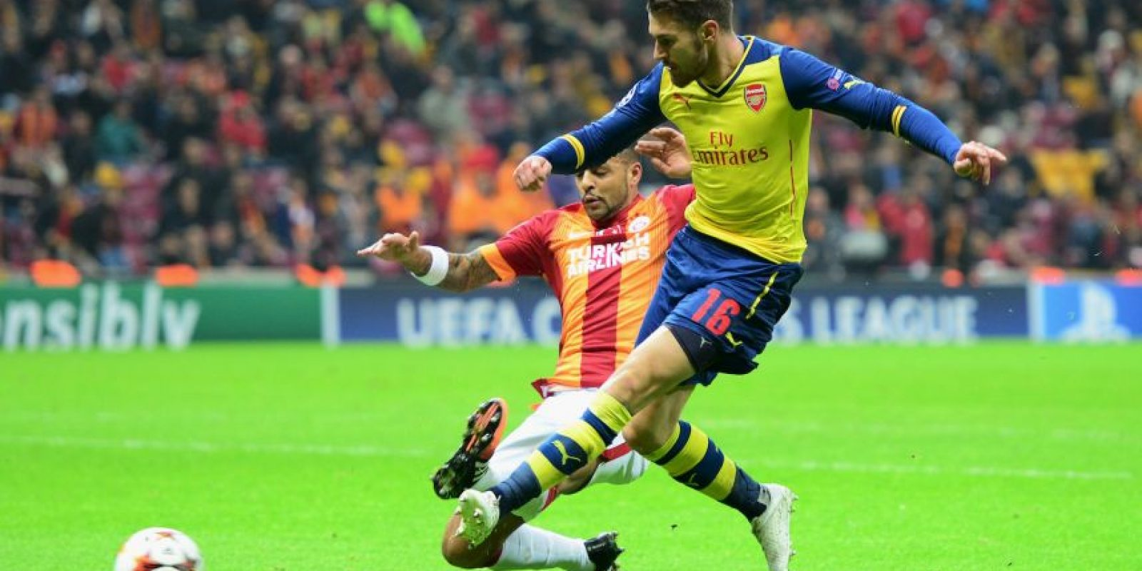 3. Gol de Aaron Ramsey (Arsenal) al Galatasaray. Foto:Getty Images