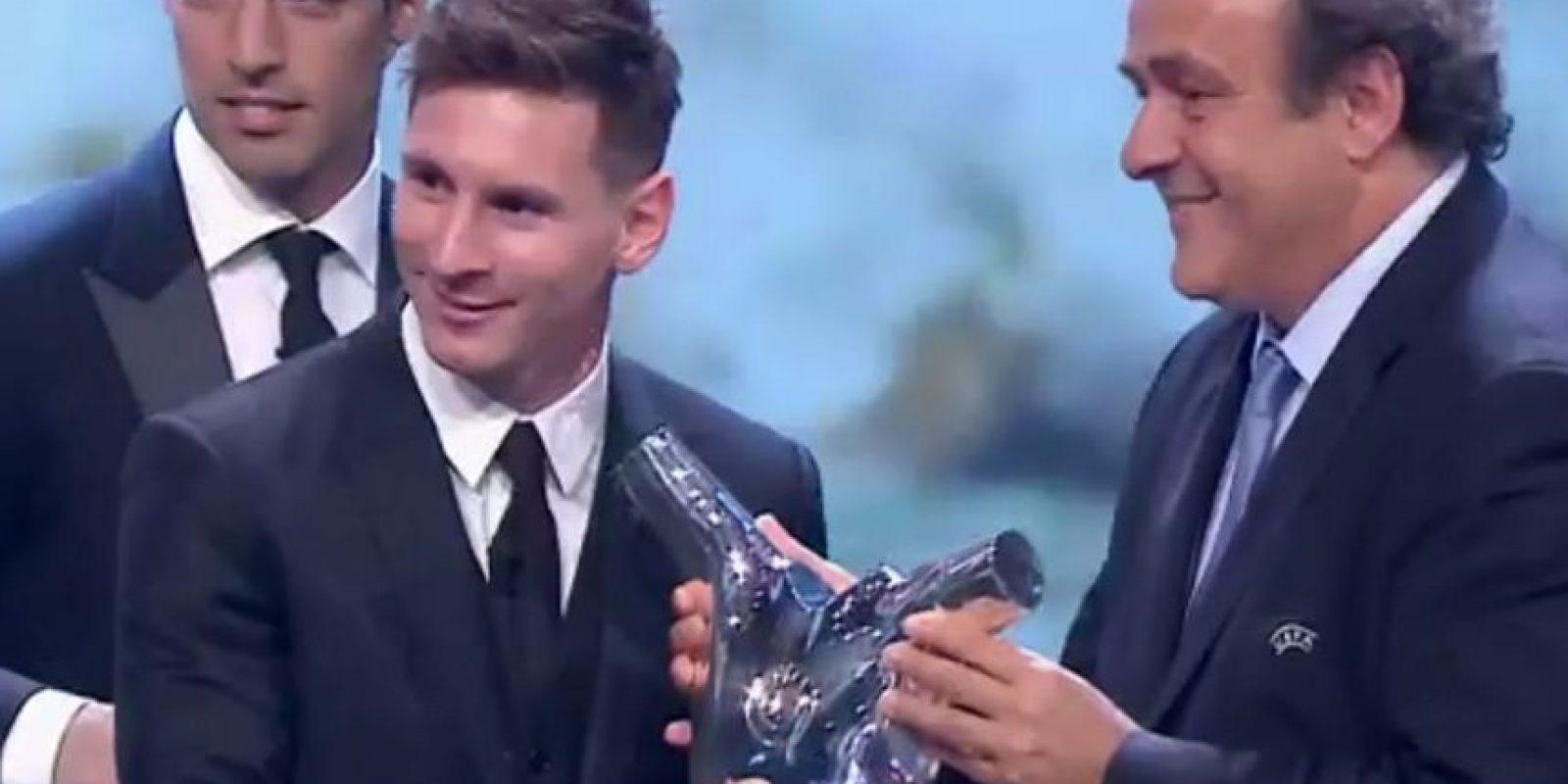 Lionel Messi fue condecorado con el Premio al Mejor Jugador de la Temporada en la UEFA. Foto:UEFA