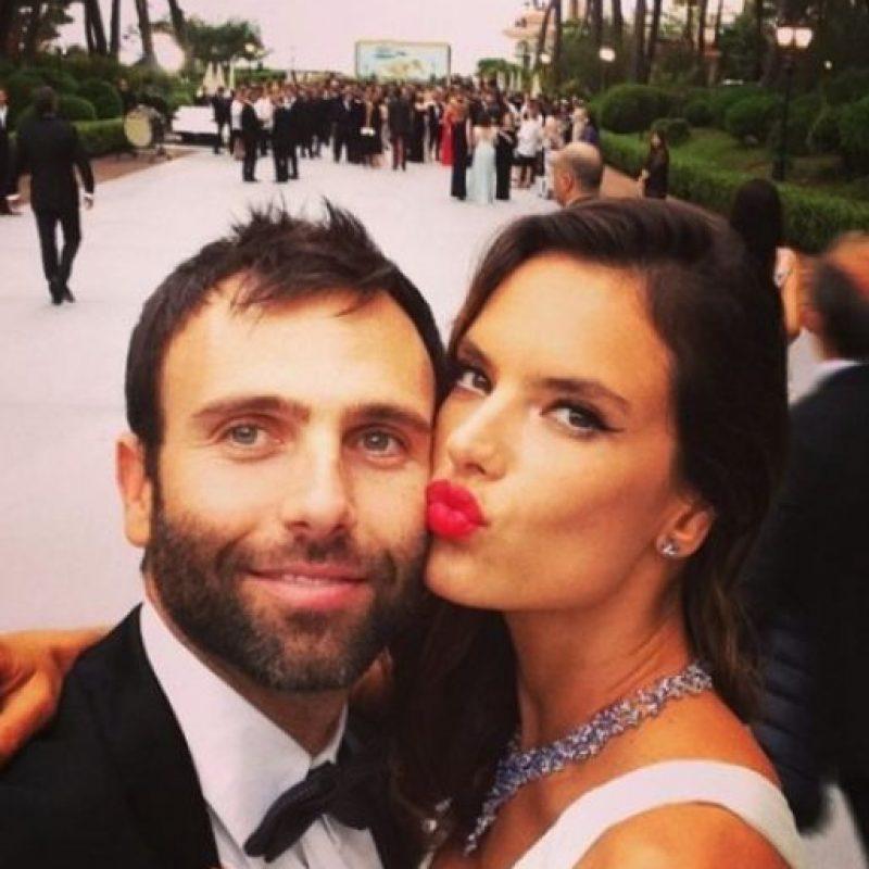 Está comprometida con el empresario Jamie Mazur con quien tiene dos hijos Foto:Vía Instagram