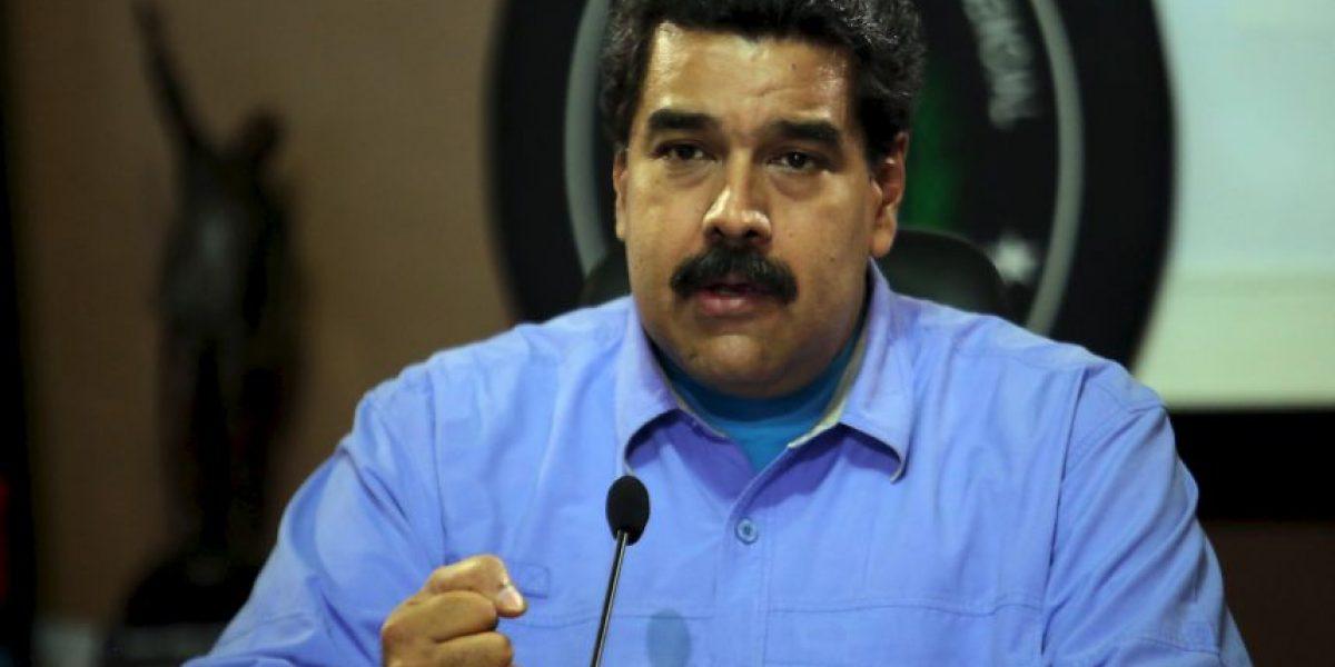 Video: En medio de la crisis, Nicolás Maduro baila música de Colombia