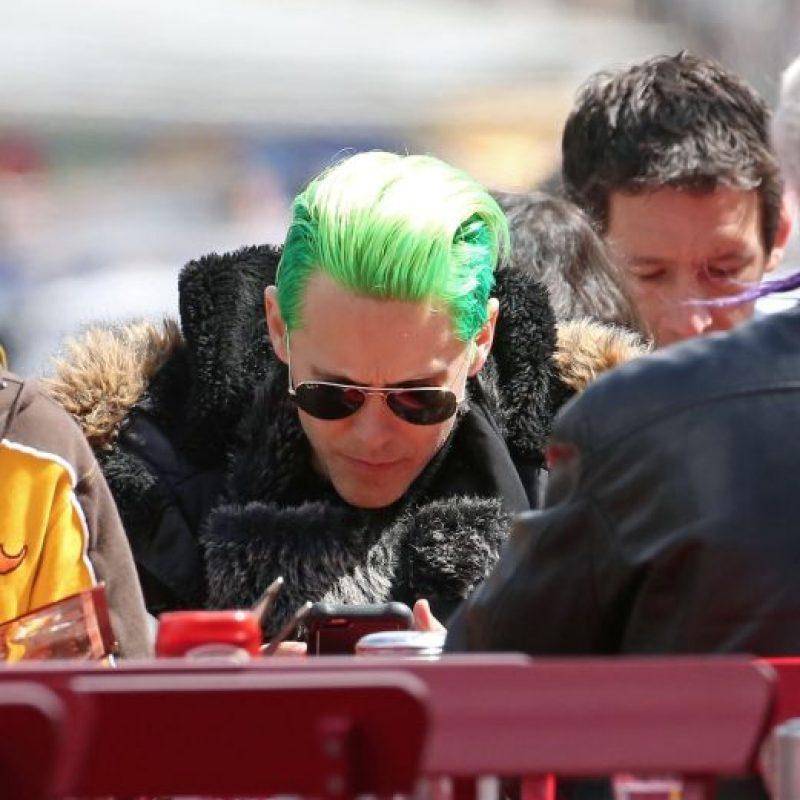 """El cantante pintó su cabello de verde para darle vida al enemigo de """"Batman"""". Foto:The Grosby Group"""