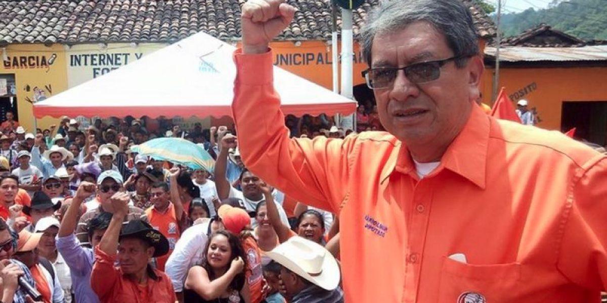 Diputado Mario Linares se excusa en redes sociales y así le contestan los guatemaltecos