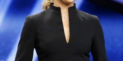 Ella es Melanie Winiger, la presentadora que robó la mirada de Luis Suárez