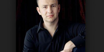 Melnichenko analizó las ideas de ocho diseñadores para su nueva adquisición. Foto:Vía Wikimedia Commons