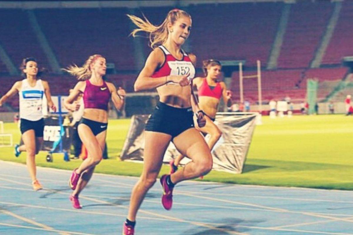 Tiene las marcas nacionales en 100 y 200 metros Foto:Vía instagram.com/isijimenezi