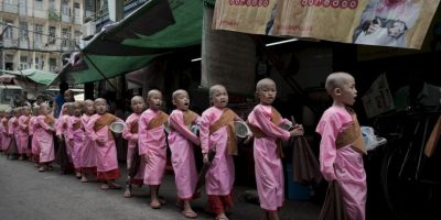 Budistas en Myanmar. Foto:AFP