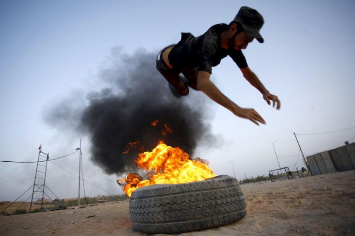 Entrenamiento de luchador chiita en Irak. Foto:AFP