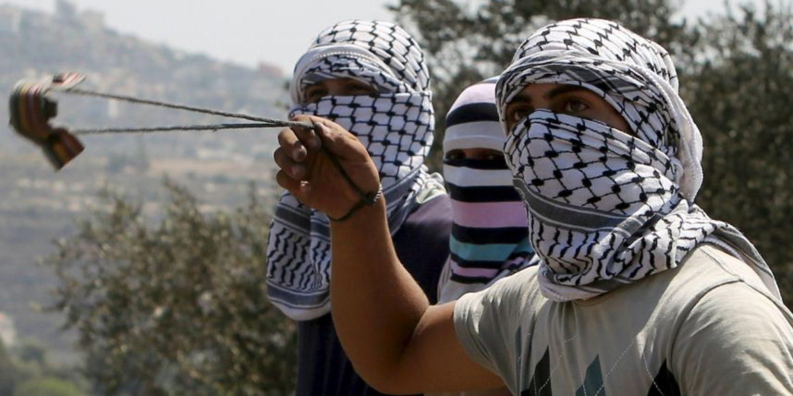 El Consejo de Ministros de Israel aprobó un proyecto de ley que endurece las penas contra palestinos que arrojen piedras a soldados israelíes Foto:AFP