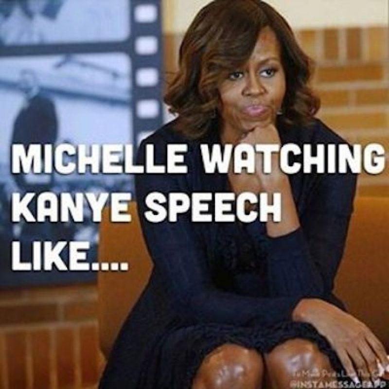 Mientras que, según redes sociales, esa sería Michelle viendo su discurso Foto:Instagram.com/explore/tags/kanyewest