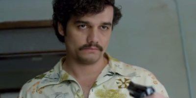 El actor Wagner Moura tiene la difícil tarea de intepretar a uno de los capos más conocidos de la historia, Pablo Escobar. Foto:vía Netflix