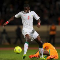 El Chelsea de Mourinho se fijó en el senegalés para fortalecer su zaga defensiva Foto:Getty Images