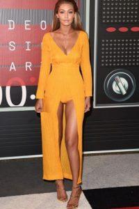 La modelo Gigi Hadid se presentó así en la alfombra roja Foto:Getty Images