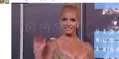 La risa falsa de Britney a la orden de los VMAs2015 Foto:Vía Twitter