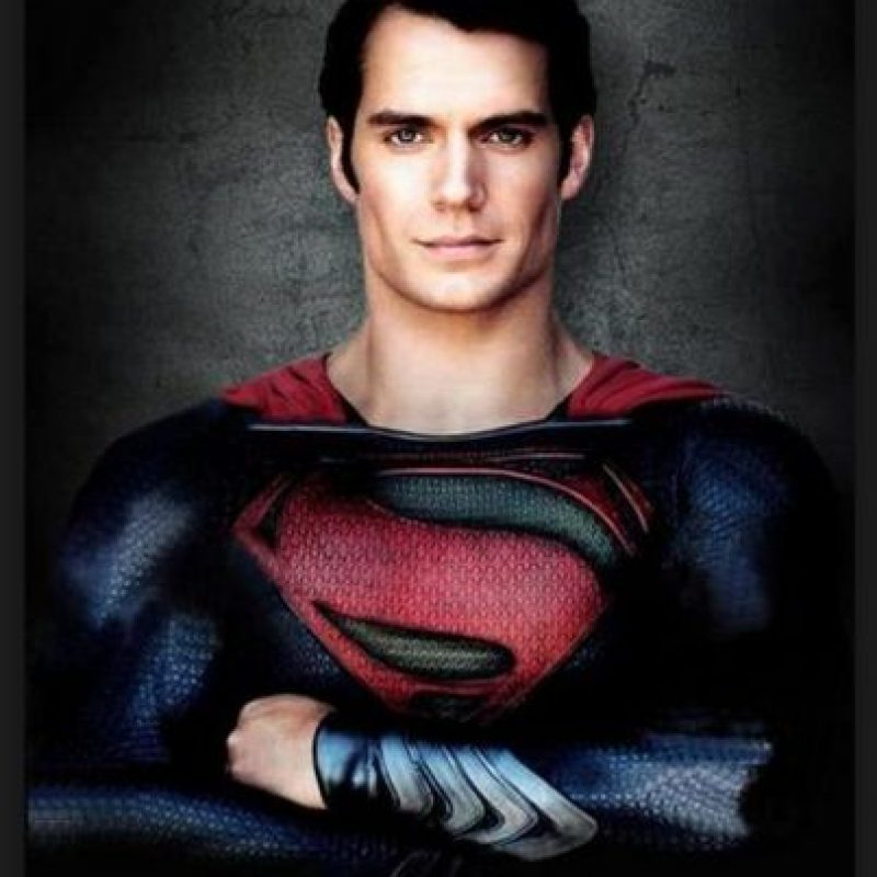 """Henry Cavill es el Supermán más reciente de la historia del cine. La cinta """"El hombre de Acero"""" muestra a un superhéroe más humano, más real y con defectos Foto:Warner Bros"""