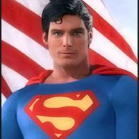 Christopher Reeve protagonizó cuatro películas del hombre de acero. Foto:Warner Bros.
